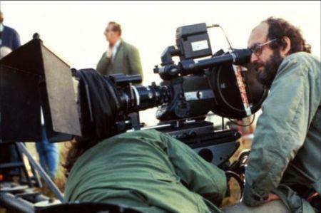 "Stanley Kubrick nas filmagens de ""Nascido para Matar"""