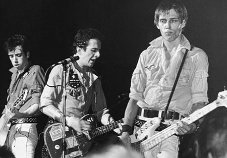 Mick Jones, Joe Strummer e Paul Simonon