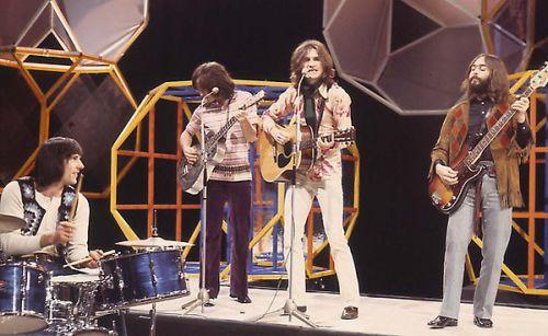 THE KINKS British Pop Group Left to Right: MICK AVORY; DAVE DAVIES; RAY DAVIES and PETE QUAIFE COMPULSORY CREDIT: UPPA/Photoshot Photo CPB 027167   10.02.1971