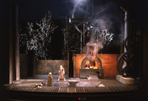 """Cena de """"O Anel dos Nibelungos (Siegfried)"""" em Bayereuth"""