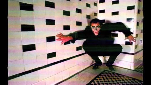 Peter Gabriel IV_02