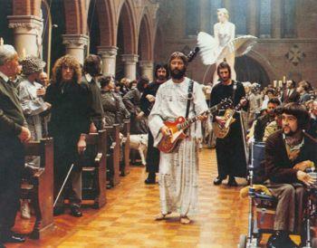 """Roger Daltrey, Eric Clapton, John Entwistle e Pete Townshend  no filme """"Tommy"""""""