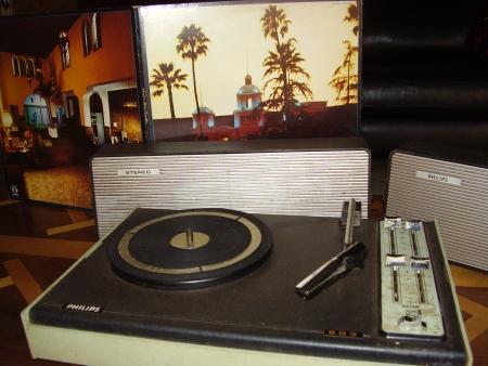 Vitrola Philips (Estéreo)