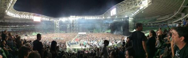 Panorâmica do estádio lotado