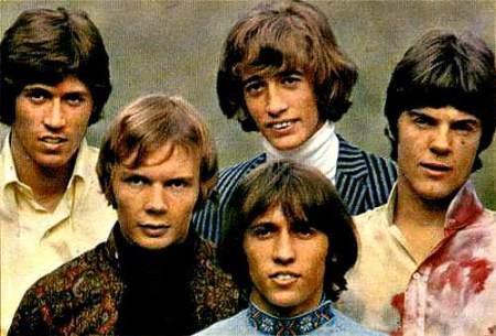 Os Bee Gees em sua fase psicodélica na Inglaterra