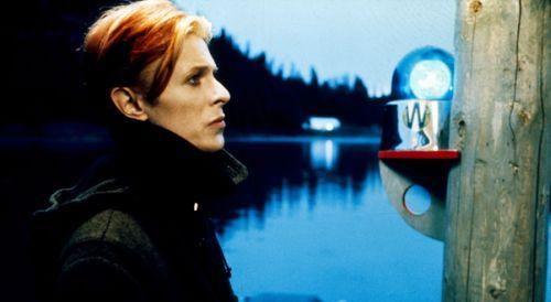 """Bowie no filme """"O Homem que Caiu na Terra"""""""