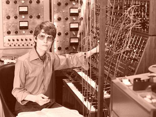 Walter - hoje Wendy - Carlos e sua parafernália eletrônica