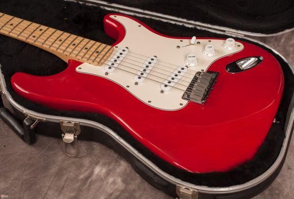 Fender_Strato (1)