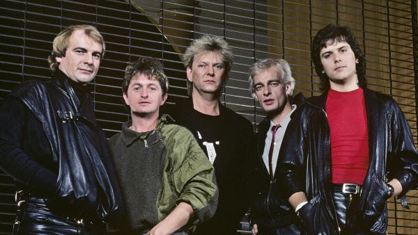 Photo of Alan WHITE and Jon ANDERSON and Tony KAYE and Trevor RABIN and YES and Chris SQUIRE